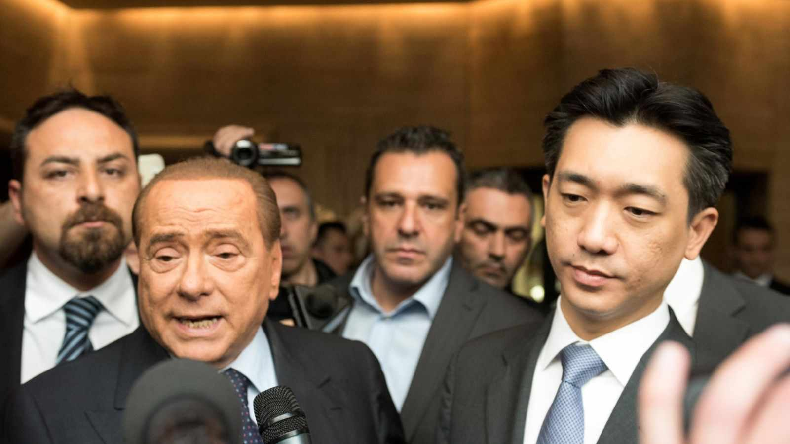 berlusconi bee cessione quota minoranza
