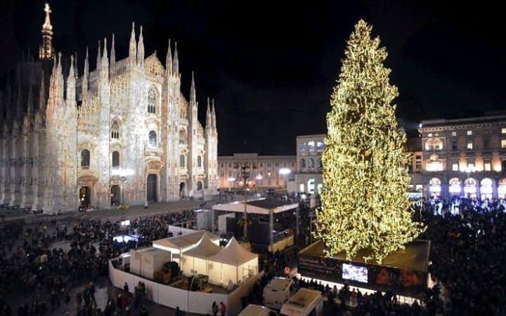 Albero Di Natale Milano.Featured Image For Accensione Albero Di Natale Cocktail Party Con