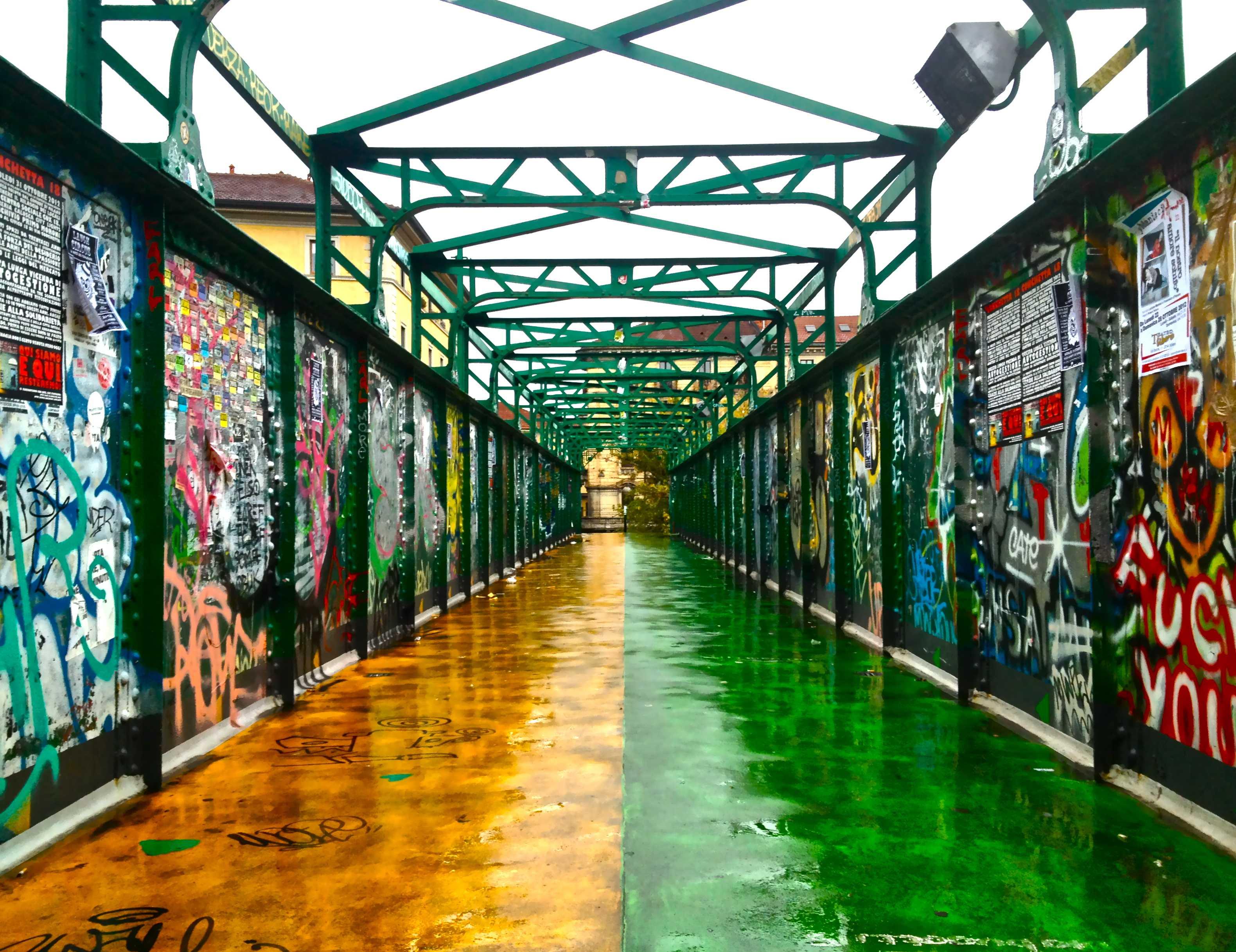 Movida ecco il ponte che collega zona tortona ai navigli for Tortona milano