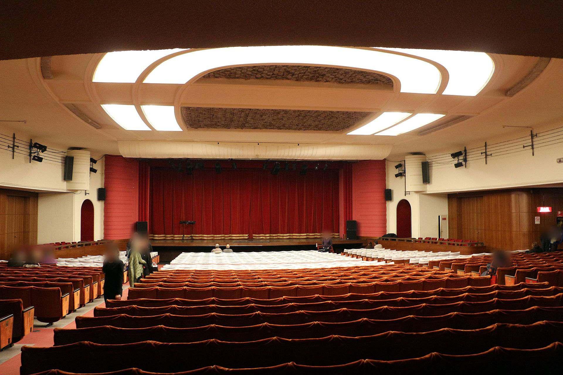 Teatro nuovo milano a met prezzo i biglietti stagione for Costo per costruire un teatro