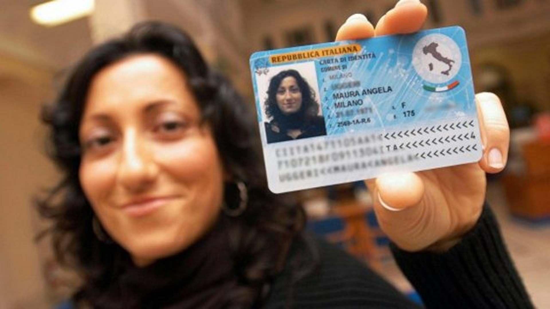 Carta d'identità elettronica: a Milano si parte a Ottobre