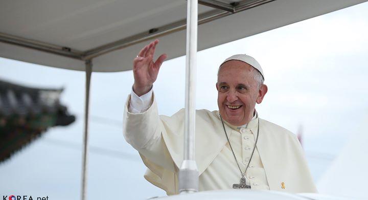 papa francesco dona ospedali