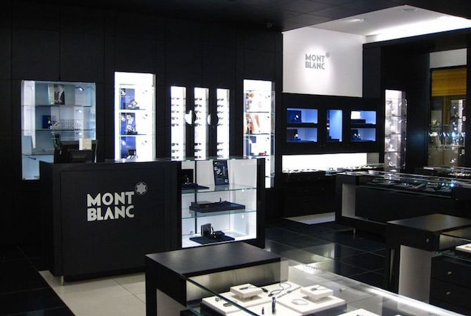 montblanc apre in galleria a milano al posto dello storico. Black Bedroom Furniture Sets. Home Design Ideas
