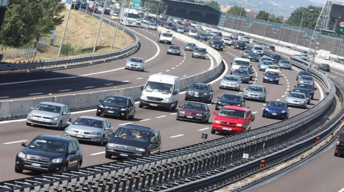 MOBILITA' traffico milano smog inquinamento