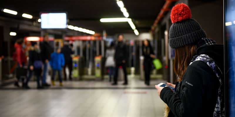 Milano: al via il test per il wifi gratuito sul Metrò