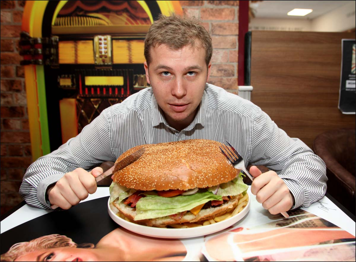 man vs food milano