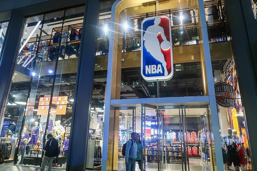6facca37f NBA Store Milano  il primo negozio ufficiale in Europa come quello di New  York