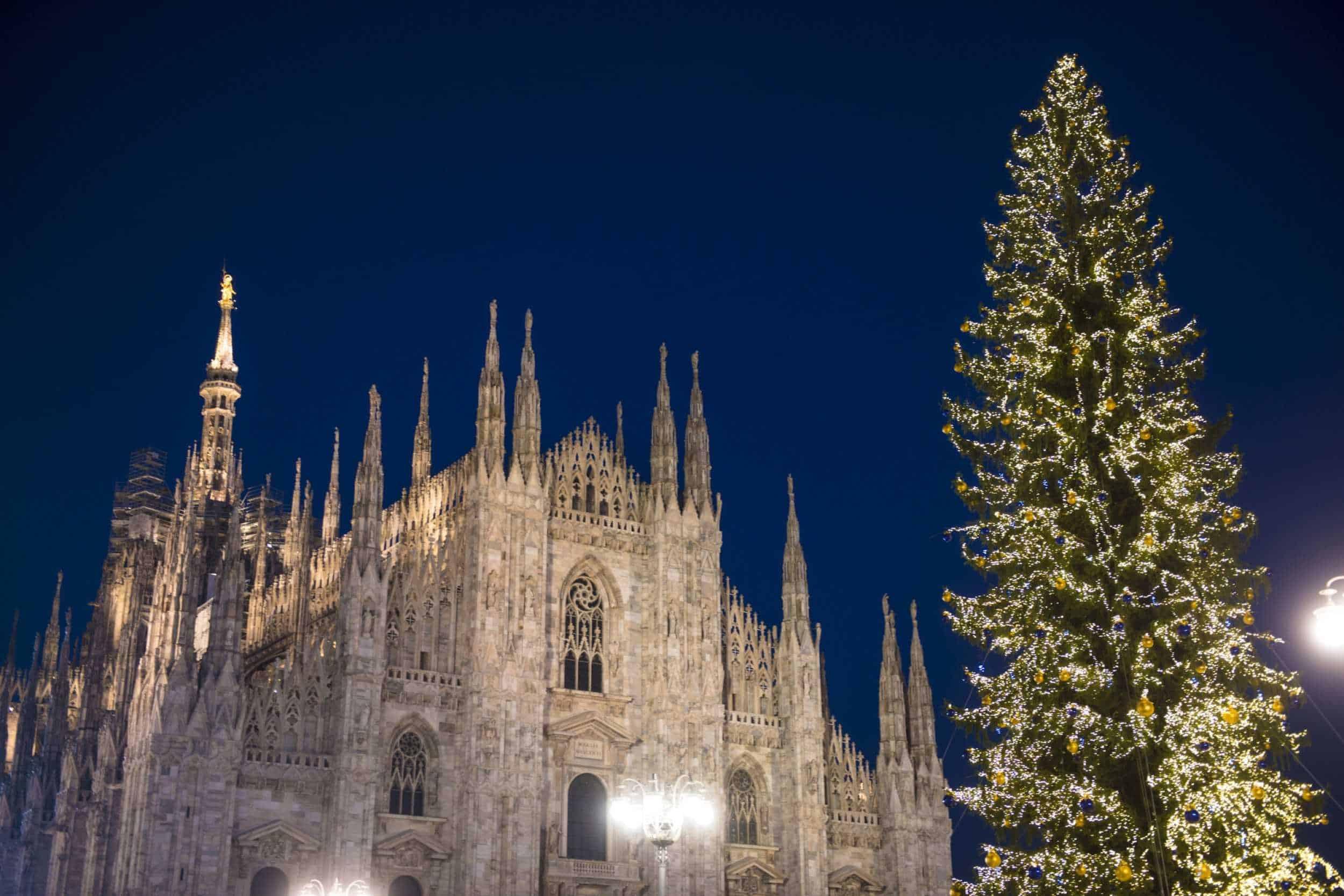 Immagini Milano Natale.Natale A Milano Piste Di Pattinaggio Alberi Di Natale E