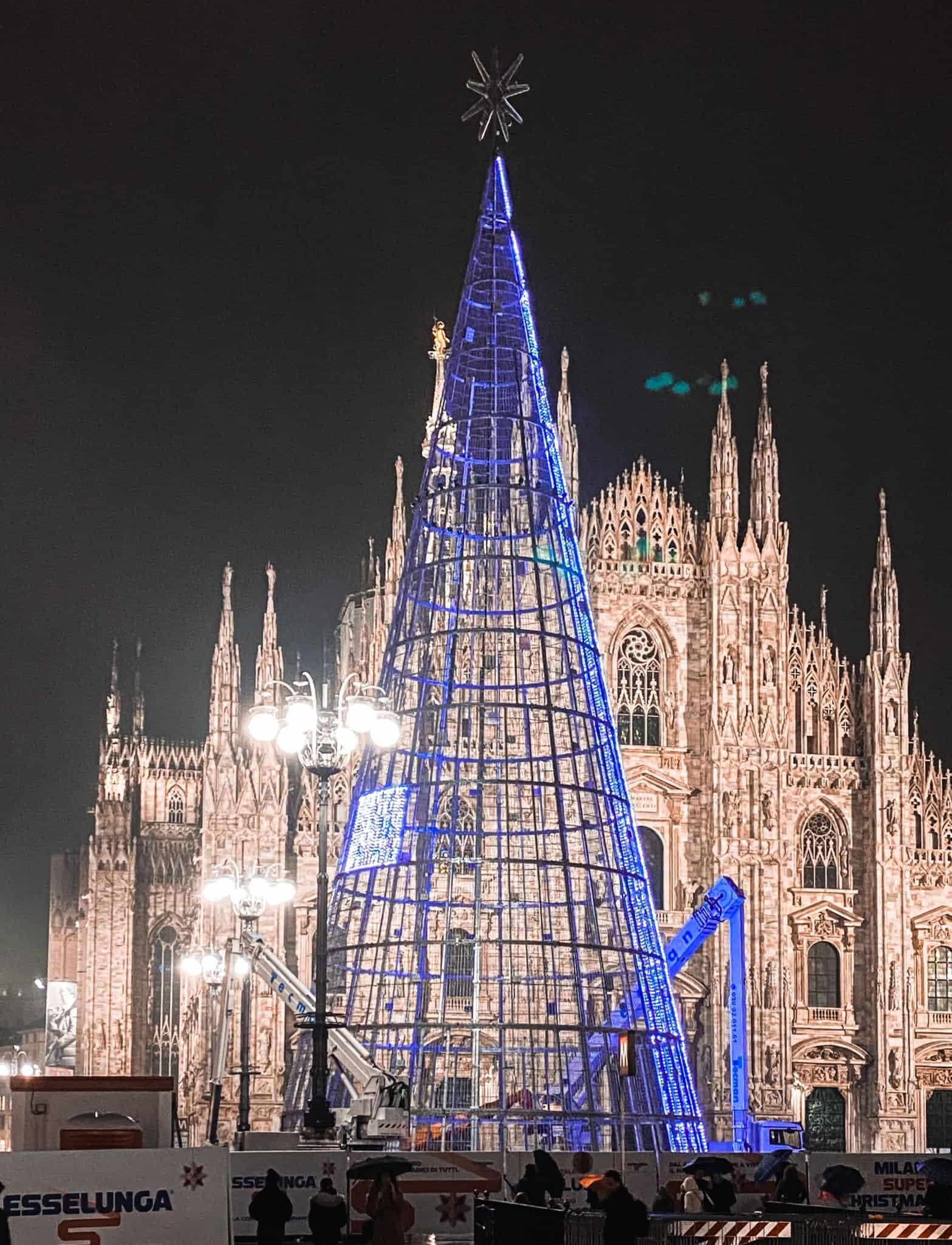 Albero Di Natale Milano 2020.Accensione Albero Di Natale In Piazza Duomo Tutte Le Informazioni
