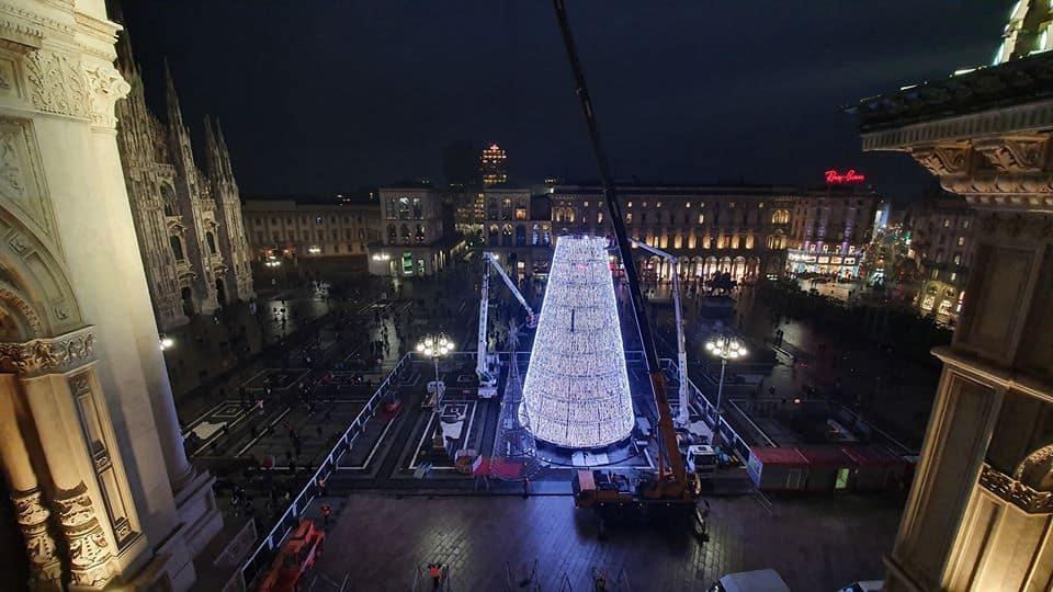 Addobbi Natalizi Milano.Natale A Milano Alberi E Luminarie Pattinaggio E Mercatini Ecco Gli Eventi