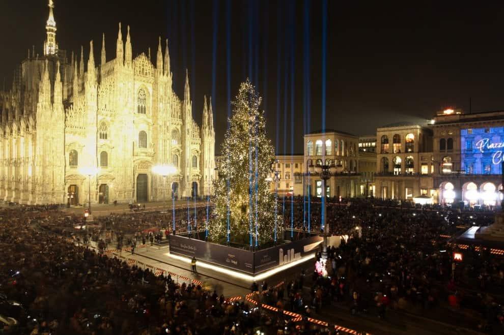 Addobbi Natalizi Milano.Milano A Natale
