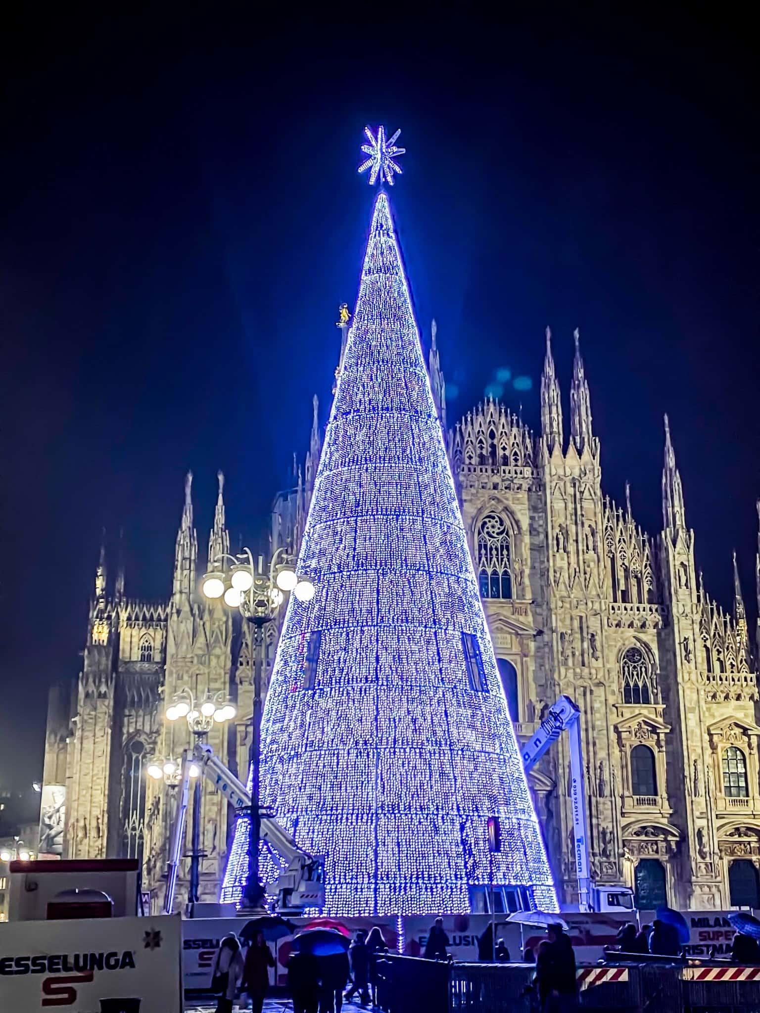Albero Di Natale Milano.Accensione Albero Di Natale In Piazza Duomo Tutte Le Informazioni