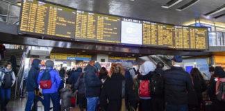 treni assalto stazione centrale