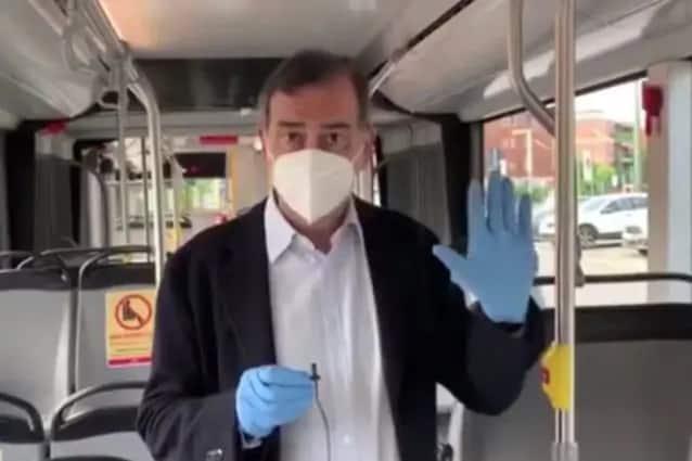 guanti e mascherine obbligatori mezzi milano atm